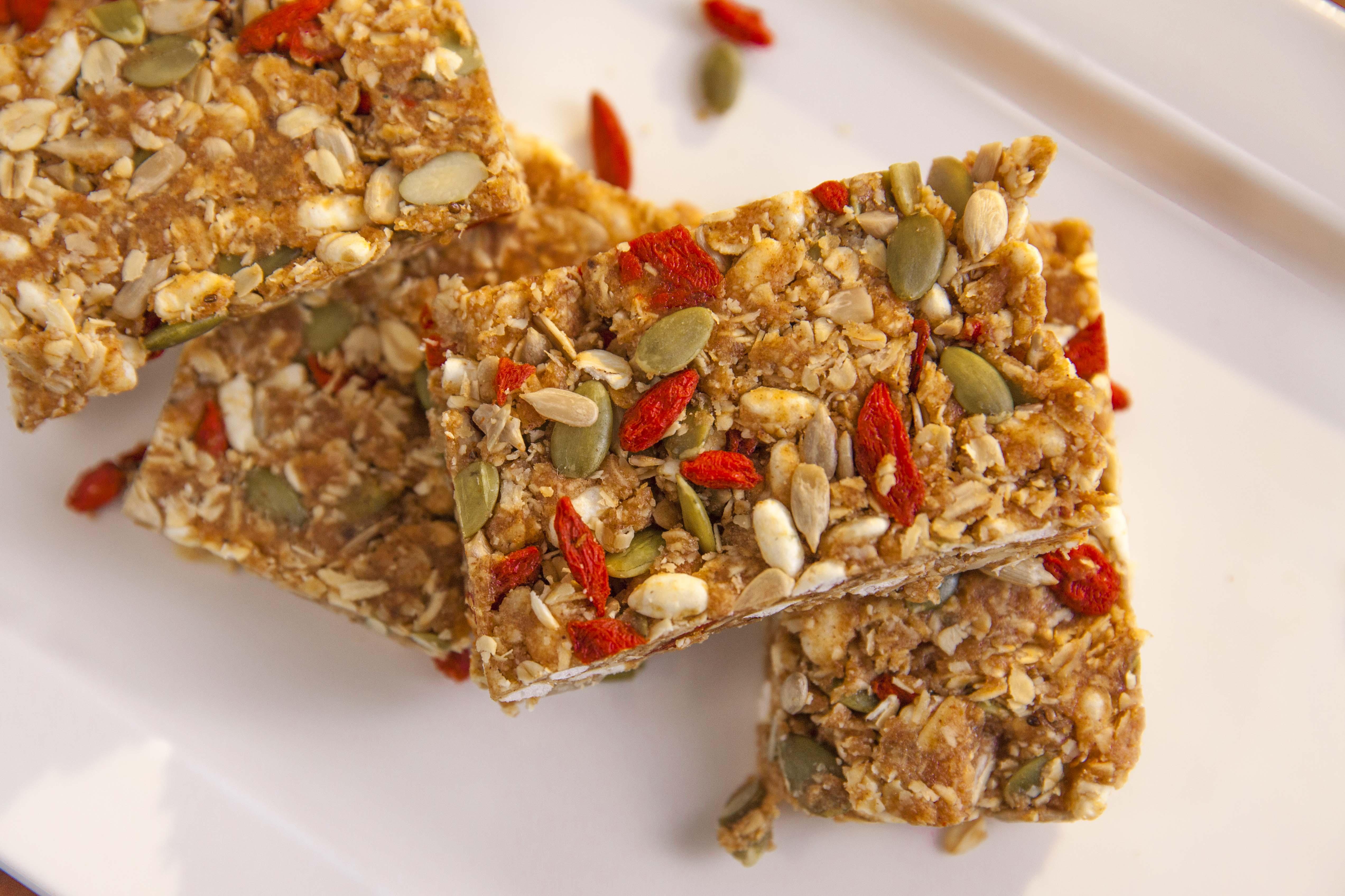 No bake superfood breakfast bar by dani venn mayvers for Superfood bar